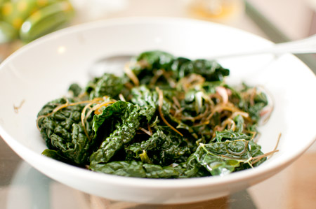 Kale with seaweed and ginger
